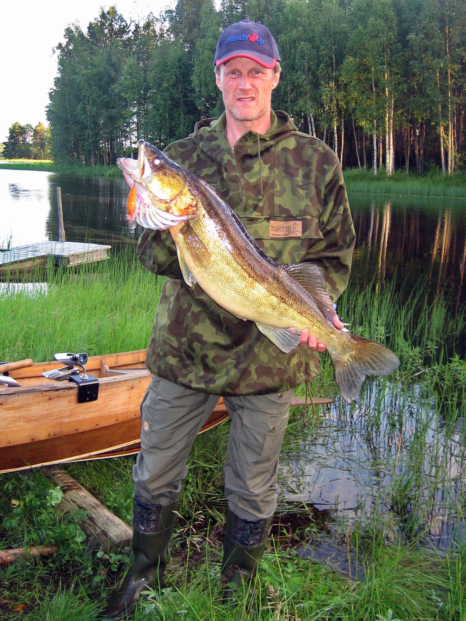 Elokuun 6. päivä Puolangalla, saaliina 5,3 kg kuha, vieheenä LJ-vaappu ja pyytäjänä Pentti Hamunen. 2012