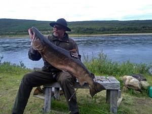 Jorma Hämäläinen 19,5 kiloisen kanssa
