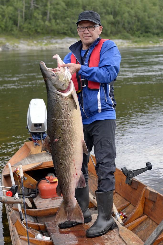 Raimo Kainulainen ja 22 -kiloinen 2016 pieni